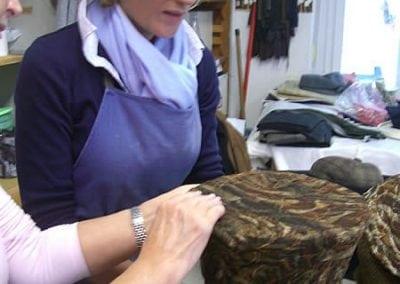 Herstellung Hutes aus Disneys Alice im Wunderland